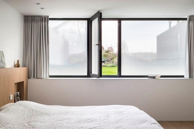 0000510_inspiratie-slaapkamer-open-raam-chalk